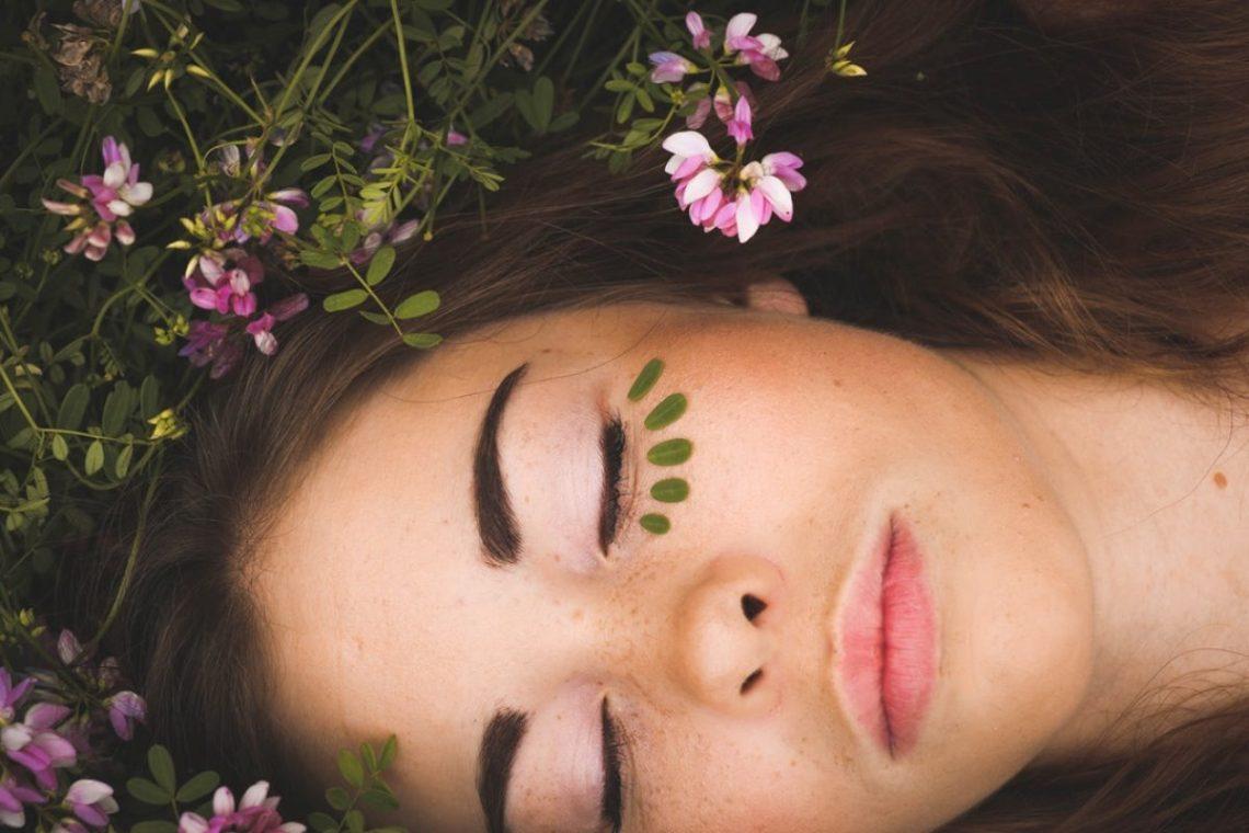 Mit der perfekten Gesichtsroutine zu strahlend schöner Haut